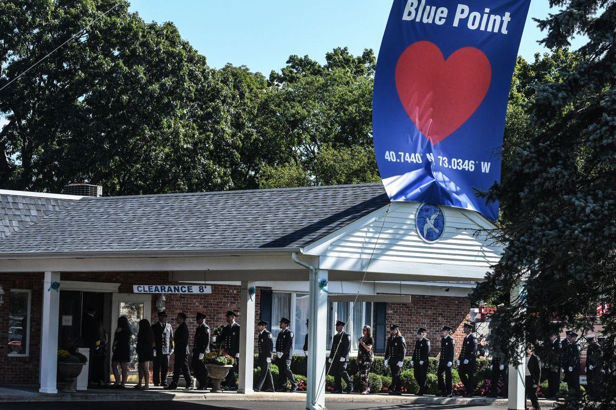 El funeral este domingo para despedir a Gabby Petito en Holbrook, New York.