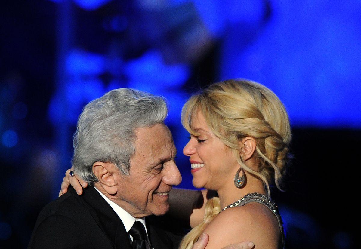 Shakira felicita a su papá por su cumpleaños 90.