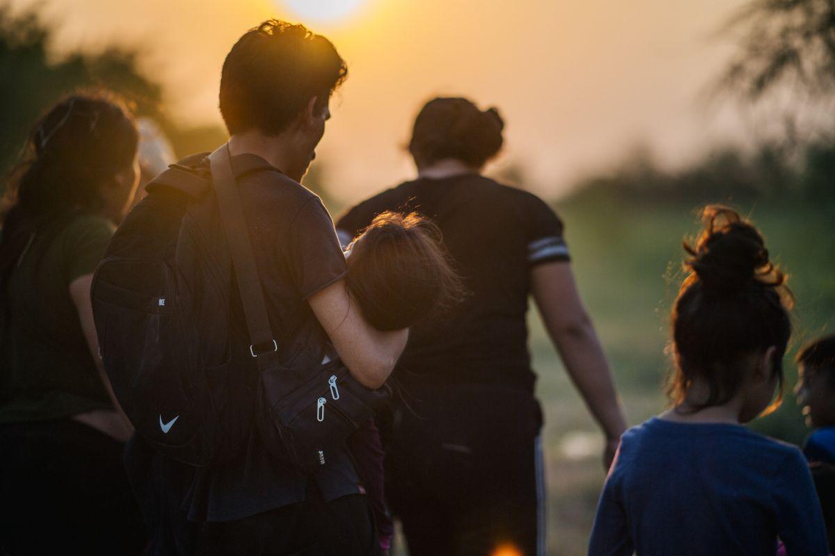 Muchos inmigrantes retan a las autoridades por la frontera sur para ingresar a EE.UU.