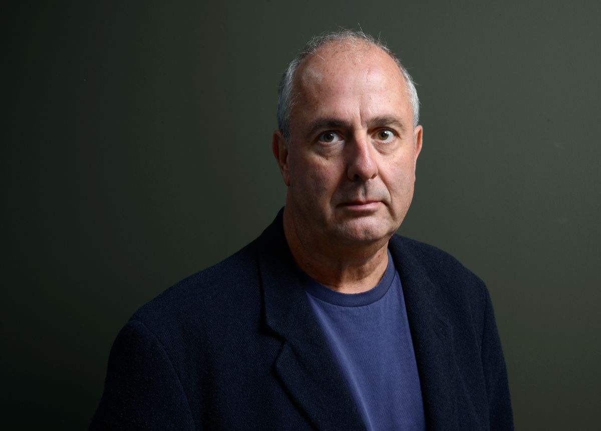 Falleció Roger Michell, director de 'Nothing Hill', a los 65 años.