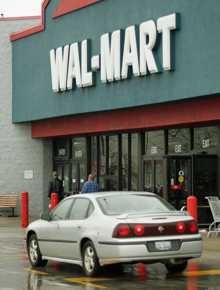 Walmart aseguró que se mantiene en comunicación con la cliente para resolver la denuncia.