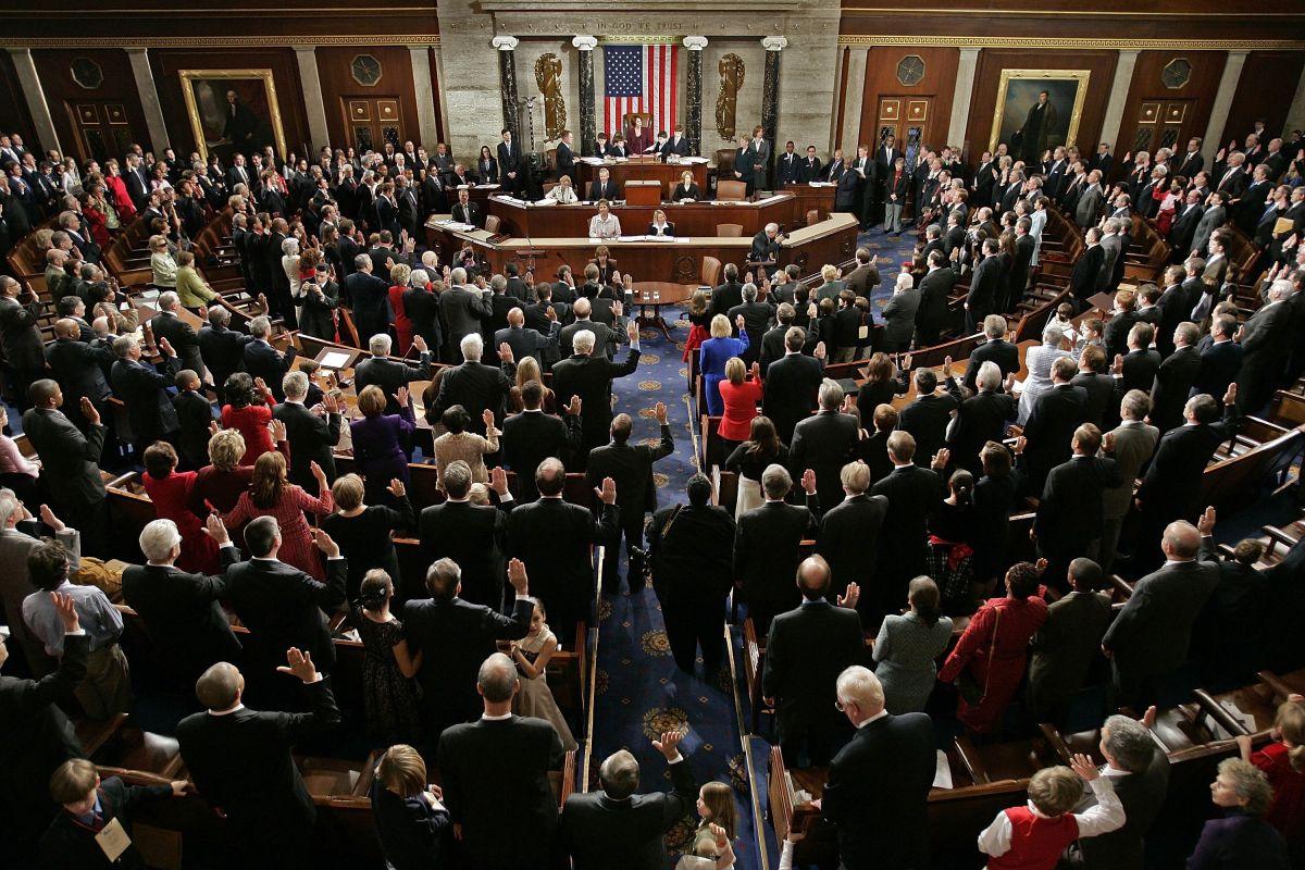 Ese plan aún no se ha redactado y varios comités del Congreso están ahora viendo qué incluir exactamente en el plan.