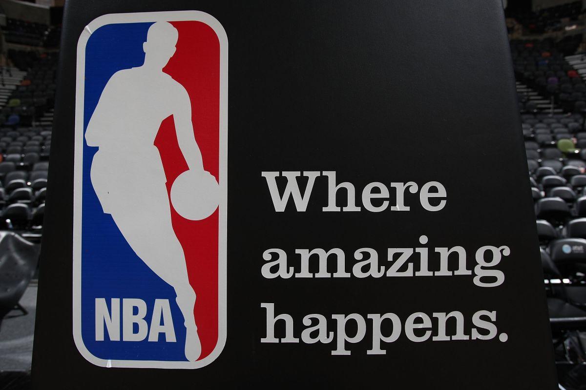 El joven latino tiene grandes oportunidades de dar el salto a la NBA.