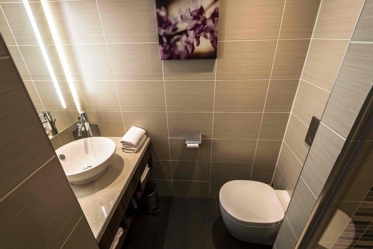 Foto referencia. Hombre destruyó baño que remodeló porque la dueña no le pagó por el trabajo