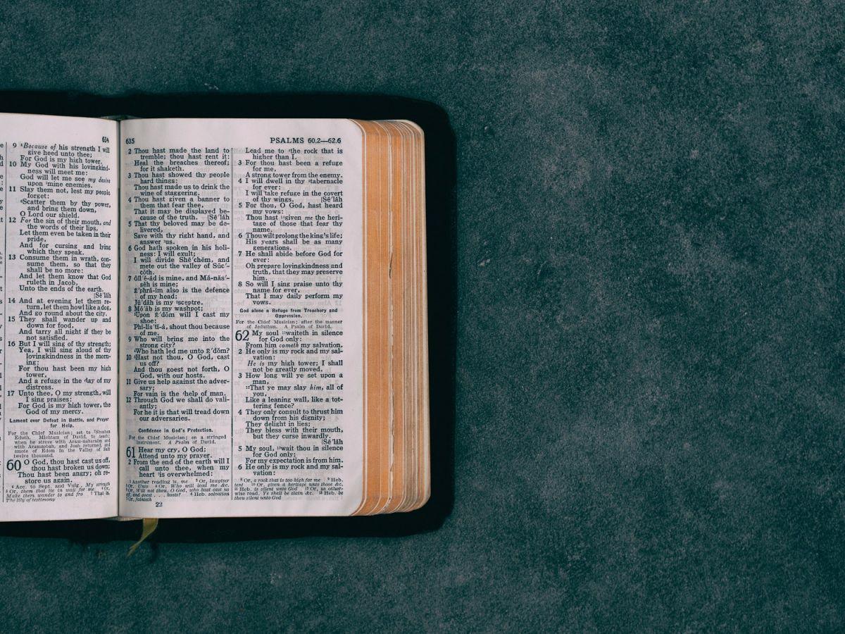 """Un pasaje bíblico del Apocalipsis habla de """"la marca de la bestia""""."""
