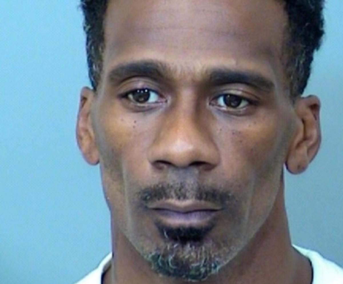 Antoine Suggs, de 38 años, enfrenta cuatro cargos de asesinato en Minnesota.
