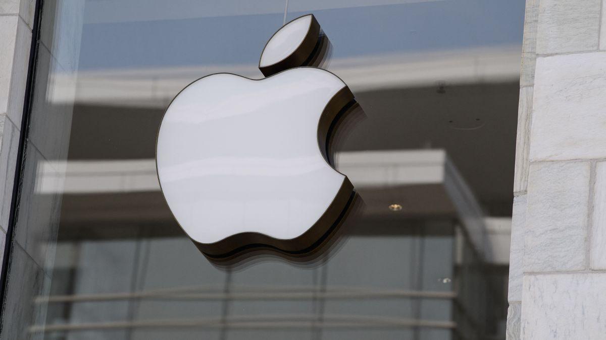 El iPhone 13 Pro tiene una pantalla de 6.1 pulgadas, mientras que el iPhone 13 Pro Max tiene una pantalla de 6.7 pulgadas.