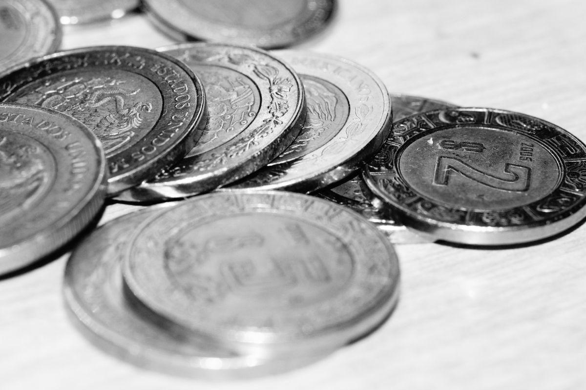 Las monedas de $20 pesos son de curso legal. Es decir que la gente puede usarlas para hacer cualquier tipo de pago.