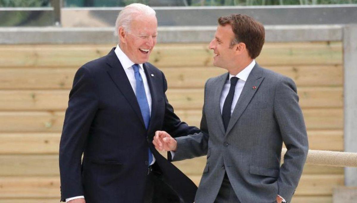 Los presidentes Biden y Macron sonrientes en la última G7, junio 2021.