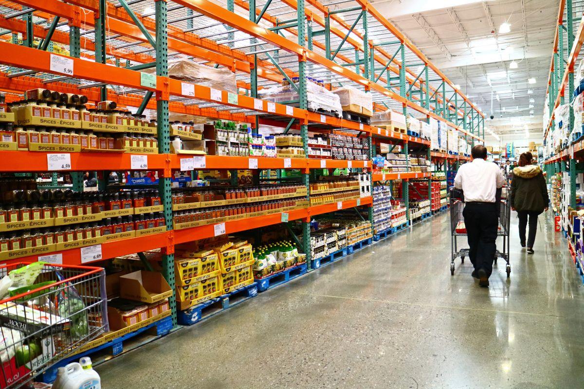 Target, Costco, Walmart son algunas de las empresas que mejores salarios iniciales por hora ofrecen para los contratados en temporada navideña en Estados Unidos.