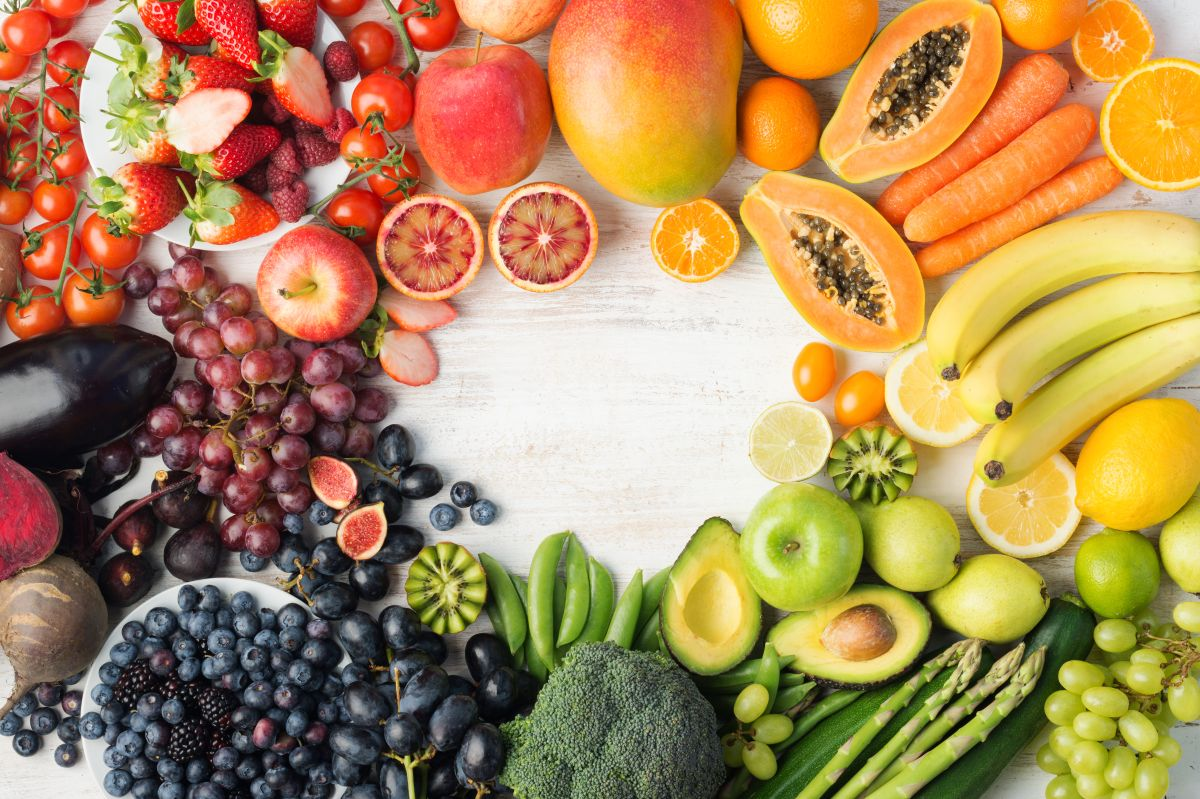 La mejor forma de consumir una dieta variada es comiendo colores variados.