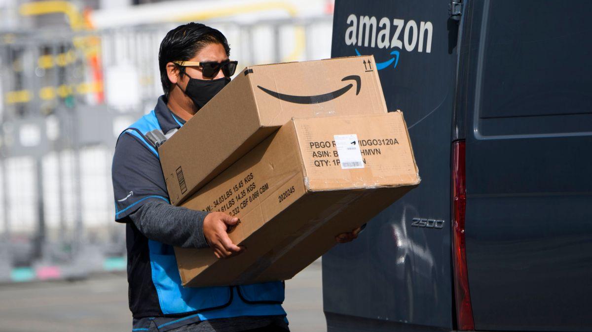 La tecnología graba a los conductores de Amazon en todo momento para calificar su desempeño.
