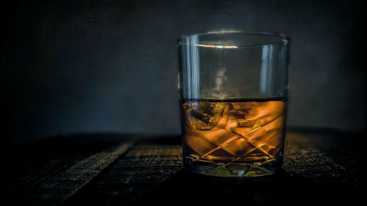 Los Guinness World Records ya han denominado la esta botella de whisky escocés como la más grande del mundo.
