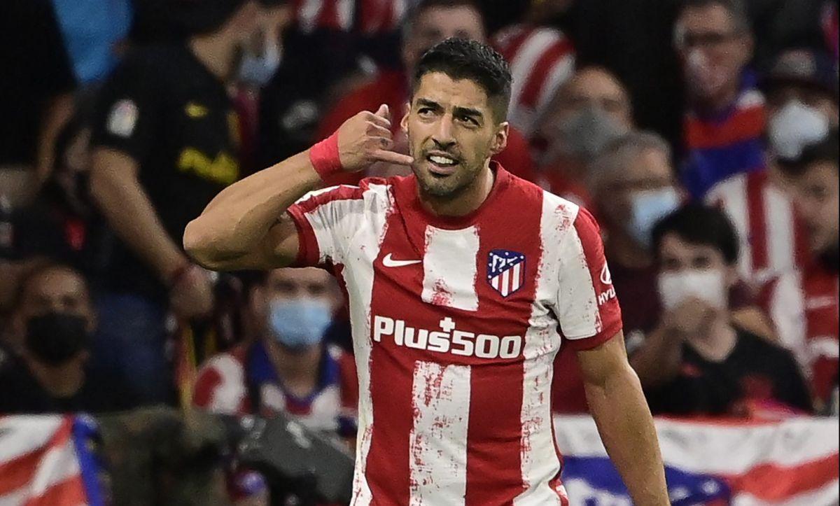 Diego Simeone llamó a Luis Suárez para saber si Messi estaba interesado en jugar con el Atlético de Madrid.