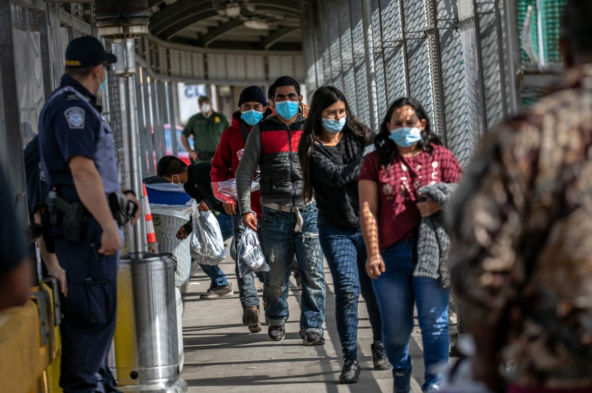 The United States will reopen the border with Mexico in November for vaccinated people