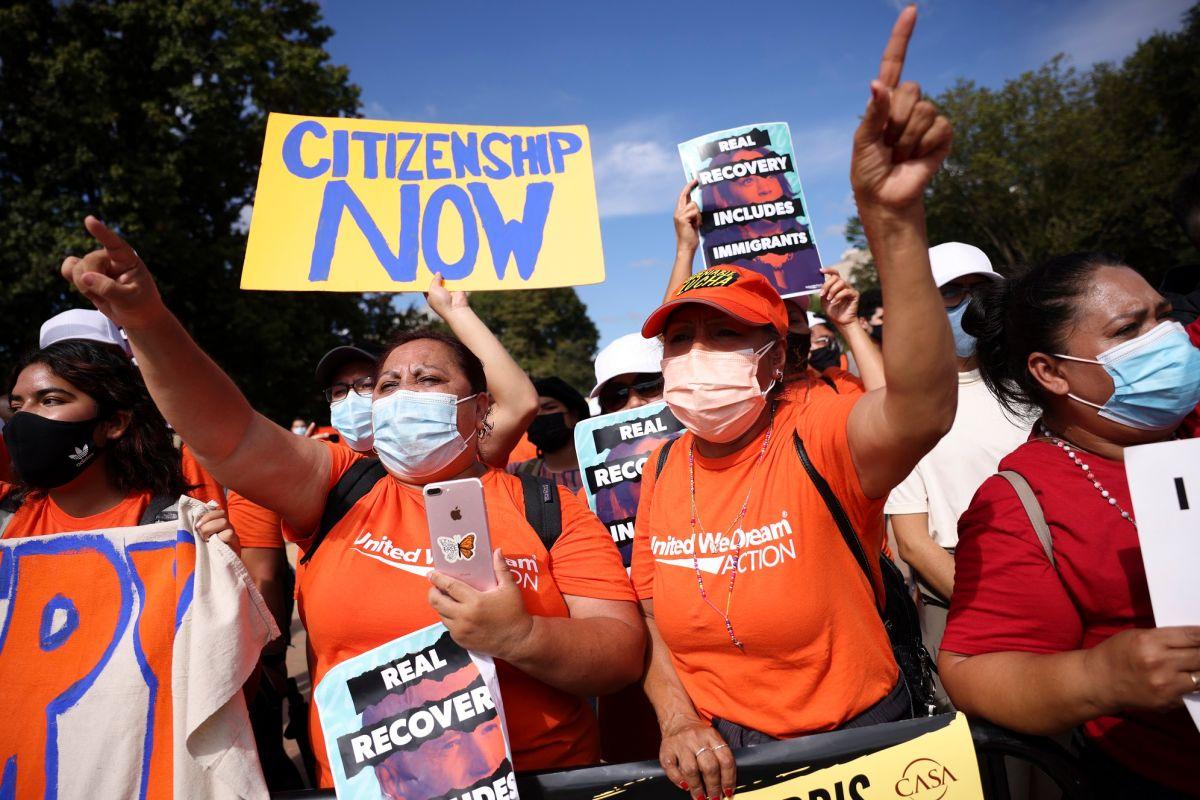 Miles de inmigrantes han realizado marchas en D.C. para exigir a congresistas cumplir su promesa a inmigrantes.