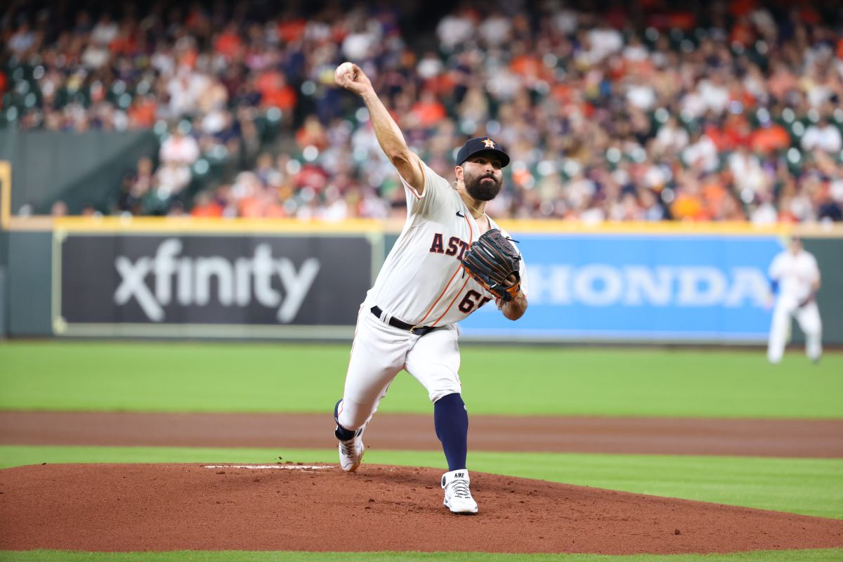 A Mexican will start the Astros for Game 3 against the Boston Red Sox