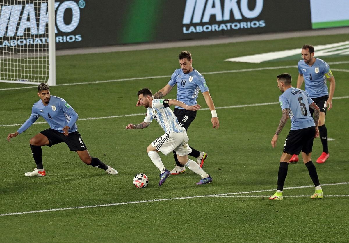 Lionel Messi llegó a seis goles en las Eliminatorias Conmebol con su definición ante Uruguay.