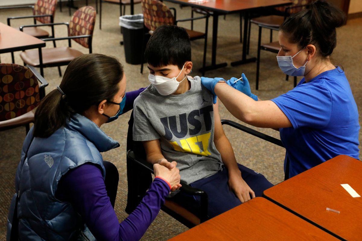 Hasta ahora en este país solo se pueden vacunar a los niños de 12 años en adelante, no menores de esa edad.