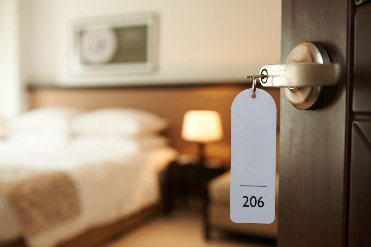 La joven reveló secretos que suceden dentro de los hoteles.