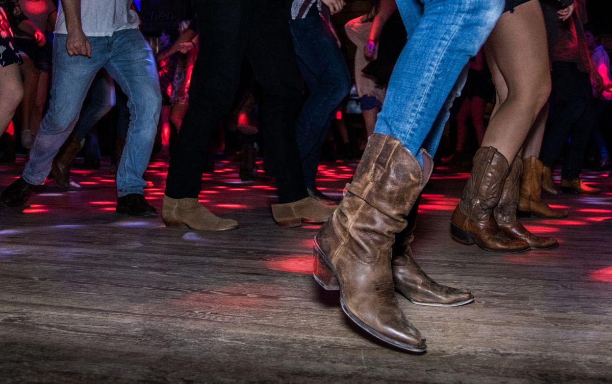 """""""Payaso de rodeo"""" fue uno de los grandes éxitos del grupo mexicano de country Caballo Dorado."""