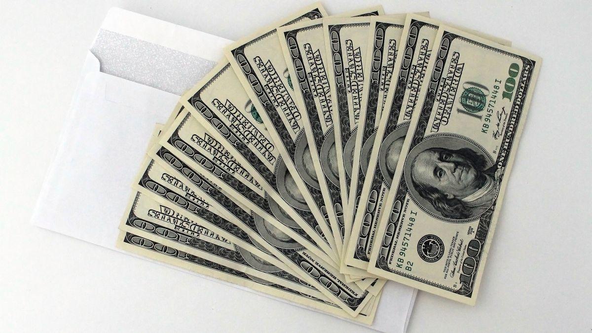 En 2021, el ajuste de los pagos mensuales del Seguro Social fue del 1.3%, lo que se tradujo en un aumento de aproximadamente $20 dólares por mes para los trabajadores jubilados.